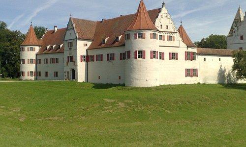 Das Schloss in der Morgensonne.