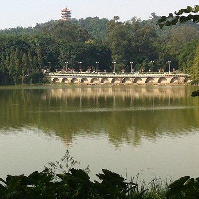 Luhu Lake Pagoda and bridge