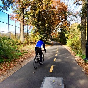 Bike path on Hudson River Greenway