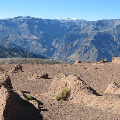 Cañon de Cotahuasi visto desde el cerro Huarmunta