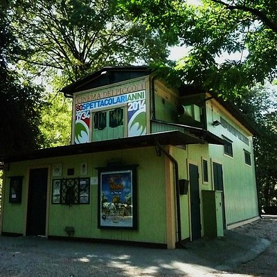 Cinema dei Piccoli is set in this tiny green house in Villa Borghese, Rome
