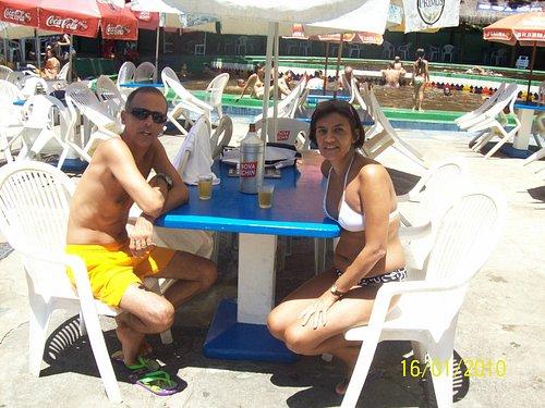 restaurante em frente a piscina