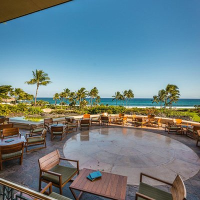 Expansive resort & ocean views