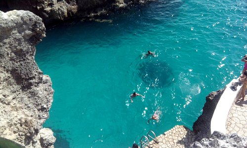 Blue waters of the cliffs