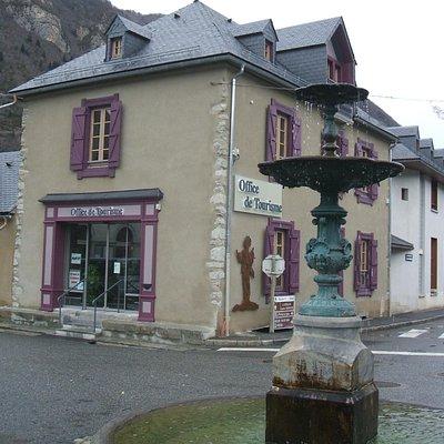 Vue de la facade de l'Office de Tourisme de Vielle-Aure