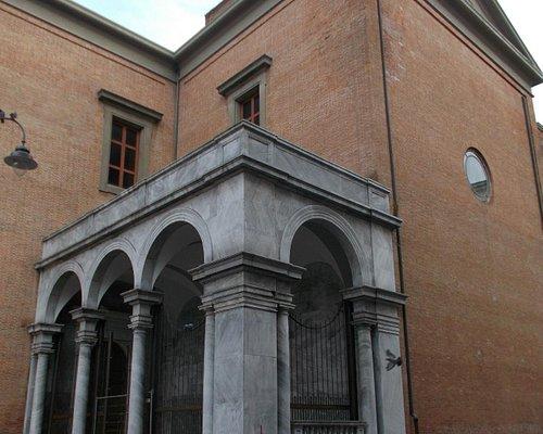 la loggia sul lato destro della cattedrale