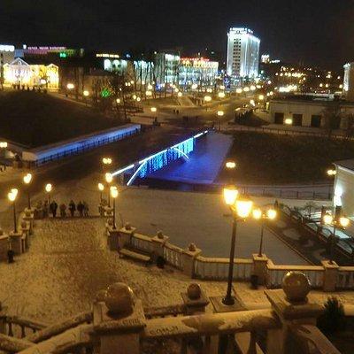 Вид на мост зимней ночью с Успенской горки