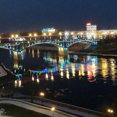 Ночной вид моста с Успенской горки