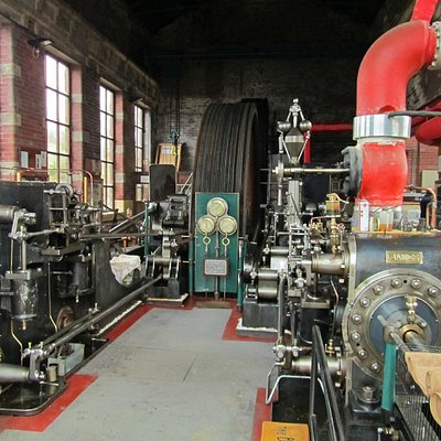 Bancroft Mill Engine showing the two cylinders, James and Mary-Jane