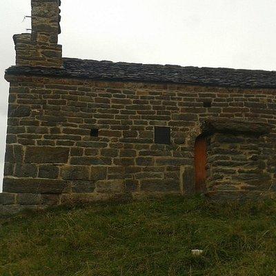 Vista general de la ermita.