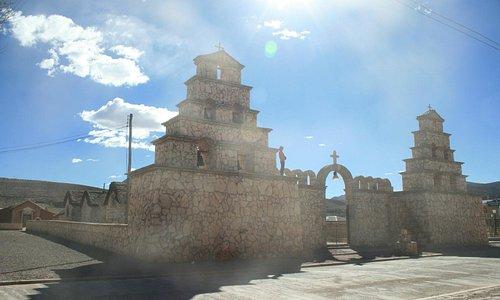Il lato sinistra della chiesa
