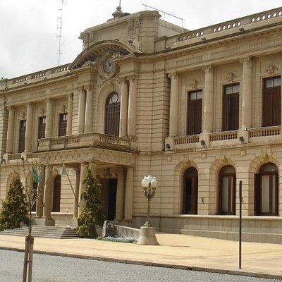 Frente del Palacio Municipal de Tandil