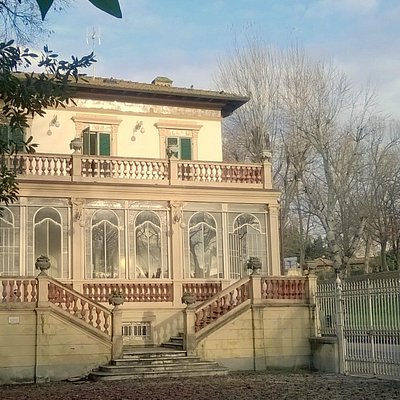 Our new location as of January 2015: a villa with a garden and a terrace inside Lucca city walls