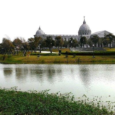 人文藝術的水岸都會公園