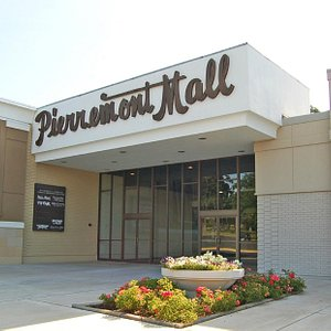 Main Entrance to Pierremont Mall