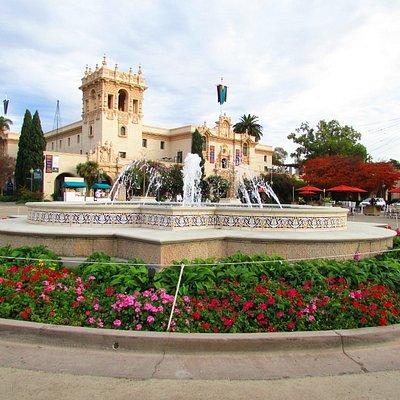Bela praça no Balboa Park