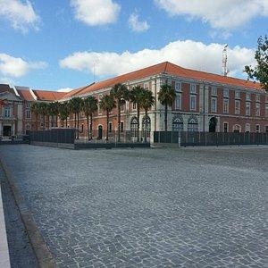 Edificio da Marinha em frente à Ribeira