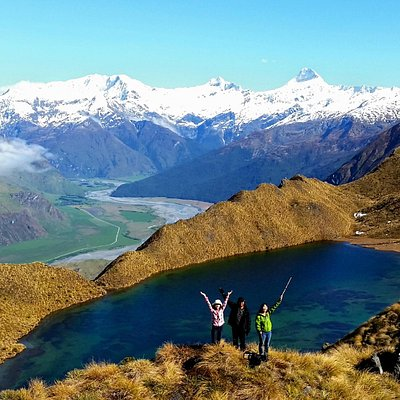 Alpine Lakes Heli Hike - Mt Aspiring 3033m rear.