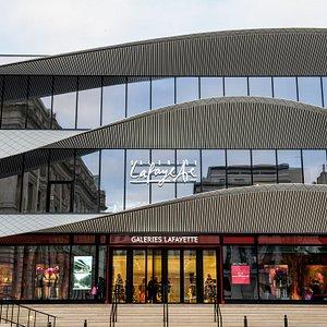 Façade Galeries Lafayette Marseille