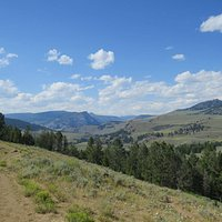 View looking east from the Yellowstone River Picnic Area Trail