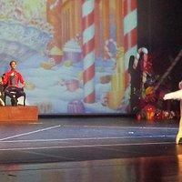 Teatro Rondon Pacheco. Belo espetáculo, Quebra Nozes. Falei apena, pela beleza e robustez do esp