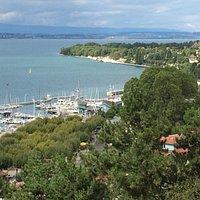 Vue du lac et de la Suisse depuis le belvédère