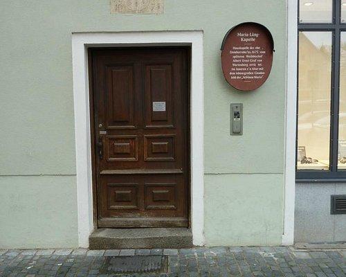 The nondescript door leading to the Maria Lang Kapelle