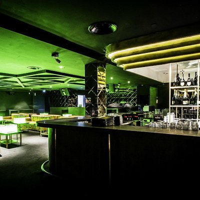 Fenix Room Island Bar
