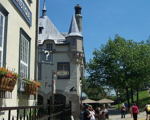 Centre Infotouriste, situé en face du Château Frontenac et la Place d'Armes
