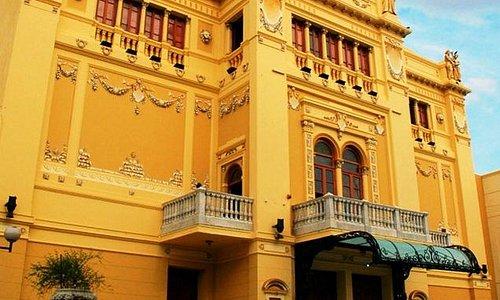 Fachada Teatro Vera