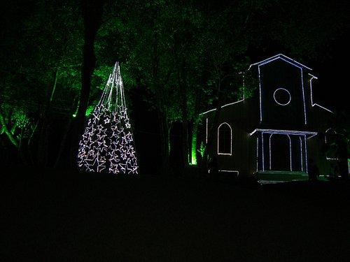 Igreja com decoração de Natal