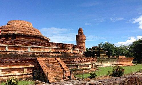 bangunan dari batu bata