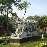The Dandi March statue.