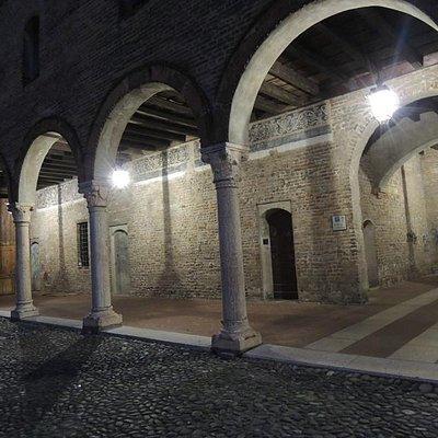 Portico da cui si accede al 'passaggio segreto' per S.Andrea