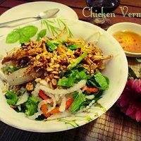 Chicken Vermicelli Salad 40.000 VND