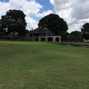 18th hole & clubhouse