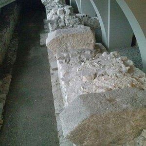 Particolare resti volte in pietra