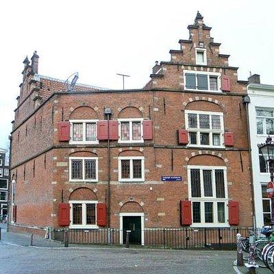 seen from Oudezijds Achterburgwal (east side)