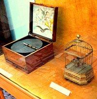 Zabytkowy instrument w Muzeum Instrumentów Muzycznych w Poznaniu-Stary Rynek