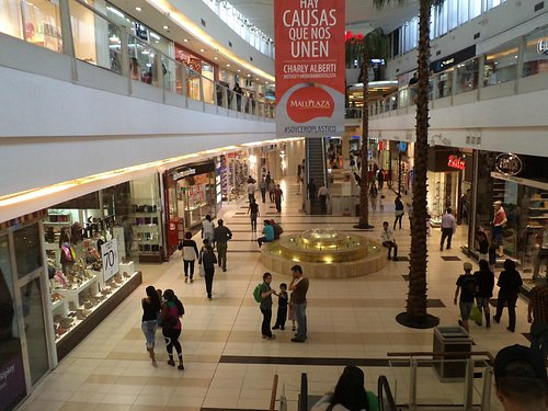 Calama, Chile, Mall Plaza. Como todos. El mismo formato de todos.