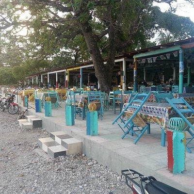 Restaurants at Gelee Beach