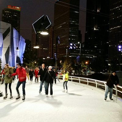 Beautiful  night  skating at the Ribbon.