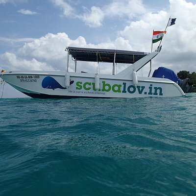 Our Customised Diving Speed Boat : Side