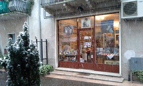 Bottega d'arte Benaco sotto la neve