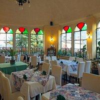 Antica sala da ballo ora sala da pranzo in estate