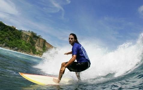 Cruising the bali waves