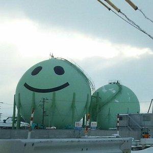 ガスタンクに描かれている可愛らしいキャラクターです