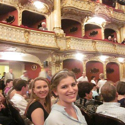 Oper Graz: golden opera interior, happy audience