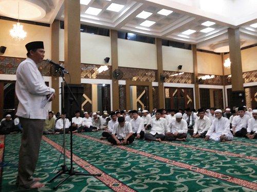 Mayor of Pekanbaru was delivering his speech.