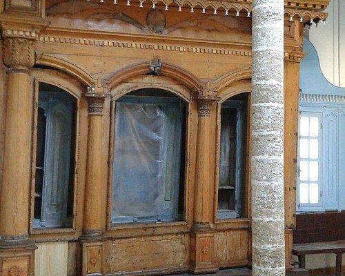Inside the synagoge